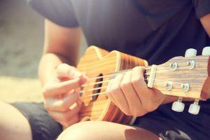 Ukulele & Guitar